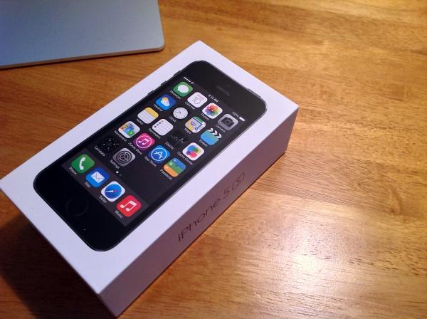 【速報】我が家にやっとiPhone5sがやってきた!レビュー!