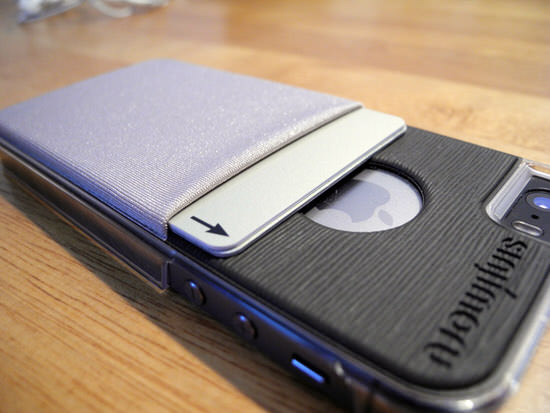 iPhone5s/5にカードを収納できるケースSINJI POUCH CASE/グレーが仕事、通勤に便利!