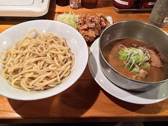 [名古屋・伏見]濃厚つけ麺はこってり!最後はさっぱり鯛ダシ雑炊の『五十五番』
