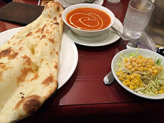 伏見でカレーナン!平日ランチはナン食べ放題の『インドキッチン』