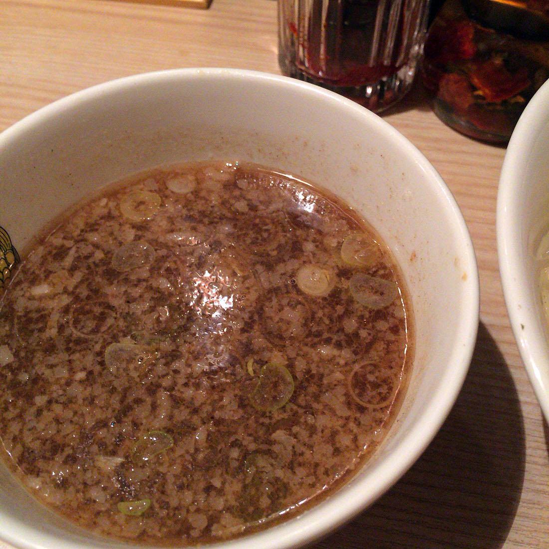 nikutukesoba-soup