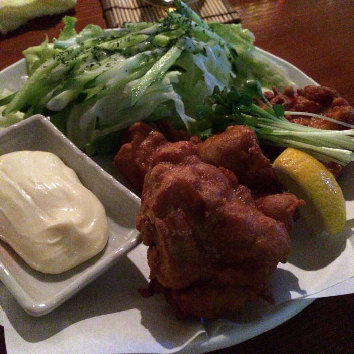 [安城]鶏の唐揚げ絶品のダーツバー!ダイニングバーAAがご飯食べるのもダーツするのも最高の環境!