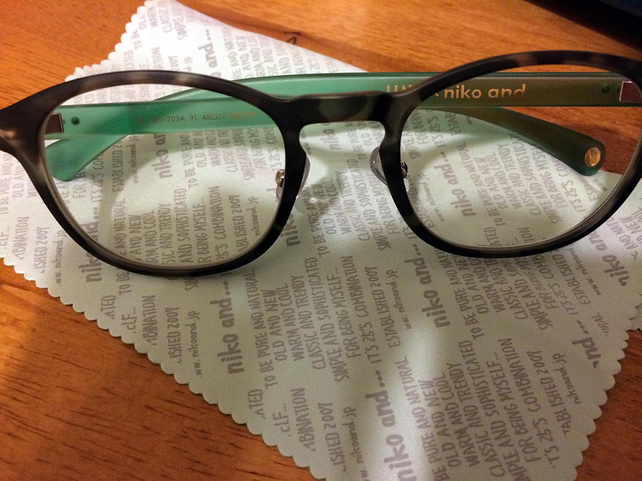メガネクリーナーとメガネ