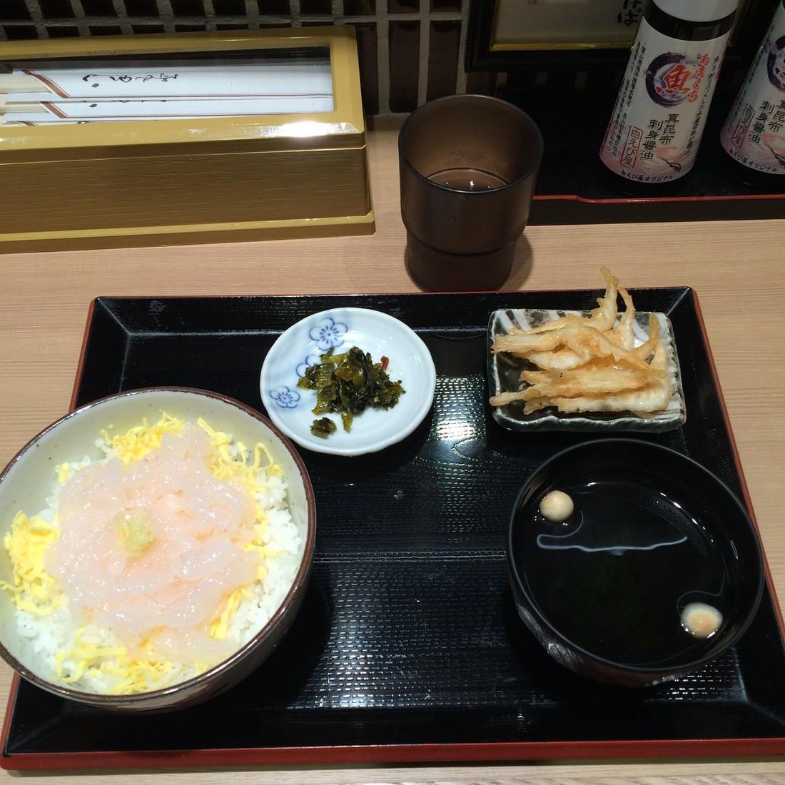 富山駅きときと市場とやマルシェの『白えび亭』で高級えび白えび丼を食す!